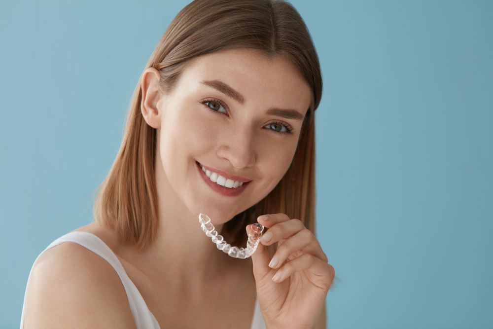 Disadvantages of Metal Braces Over Clear Aligners